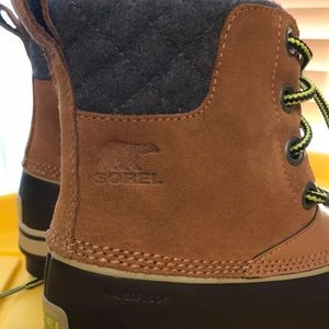 Sorel Shoes - Sorel waterproof Snow Boots NWT Brown Suede size 1